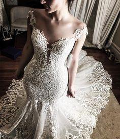 elegant wedding dress #weddinggown #weddingdress #weddingdresses #bridaldress #bride #finalfitting