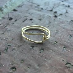 Diy Wire Jewelry Rings, Wire Jewelry Designs, Handmade Wire Jewelry, Handmade Rings, Jewelry Making, Cute Jewelry, Diy Rings With Wire, How To Make Rings, Homemade Jewelry