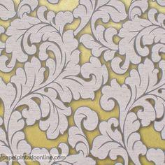 Papel Pintado Flock 4 95688-4, papel de fondo amarillo/verde metalizado con dibujo floral, grandes hojas muy trabajadas repitiéndose a lo largo de todo el papel en tono gris.  En este papel se puede apreciar la distinta textura entre el fondo y el dibujo de las hojas, ya que estas sobresalen del diseño gracias a su textura granulada.