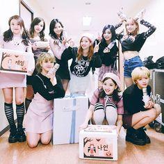 [2016.10.28] TWICE Twitter update. (cr: JYPETWICE)  #twice #nayeon #momo #sana #jihyo #jungyeon #mina #dahyun #chaeyoung #tzuyu