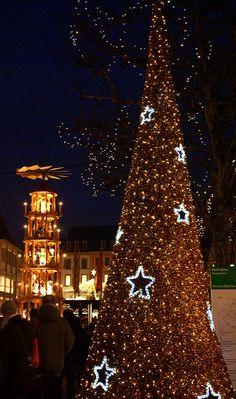 Mainz, Weihnachtsmarkt 2012 (Christmas Market) by HEN-Magonza, via Flickr