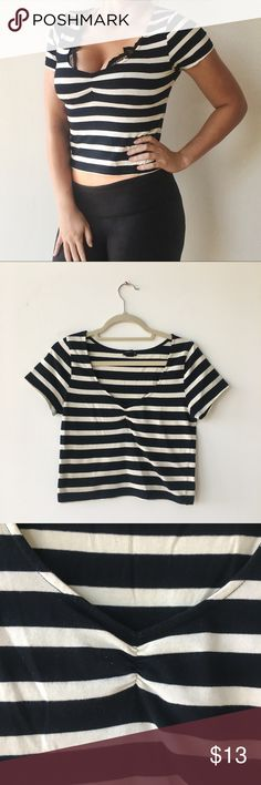 ✨ Forever 21 Striped Crop ✨ Cropped Forever 21 black and white striped top. Soft material, size L. Forever 21 Tops Crop Tops