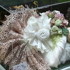 Wishing a rustic wedding? Complete your special momment with us! No more doubt, text us now! Courtesy: Hantaran Nina and Nurdin… Birthday Party Desserts, Malay Wedding, Rustic Shabby Chic, Gift Packaging, Burlap Wreath, Wedding Designs, Wedding Engagement, Rustic Wedding, Wedding Gifts