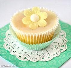 Lemon drizzle cupcake