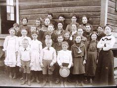 Hillsboro Oregon Elementary School Antique Class Photo | eBay Old Photographs, Old Photos, Hillsboro Oregon, Photograph Album, Antique Cabinets, Worlds Largest, Elementary Schools, Vintage Antiques, Old Things
