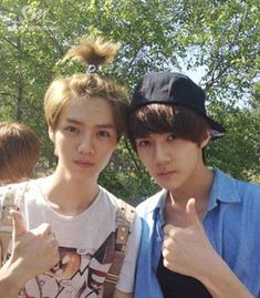 Exo - Luhan and Sehun ; lol @ luhan`s hair. but hunhan omf yes. Sehun And Luhan, Chanyeol, Exo Ot12, Chanbaek, Got7, Exo Facts, Hyuna, Exo Couple, Big Bang Top