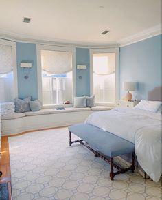 Blue Room Decor, Cute Bedroom Decor, Room Design Bedroom, Room Ideas Bedroom, Teen Bedroom, Bedroom Inspo, Dream Bedroom, Bed Room, Baby Blue Bedrooms