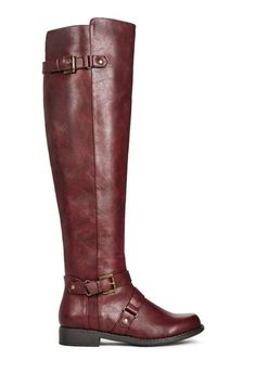A basic that will go a long way, Teaghan is the simple boot you need in your life. l JustFab