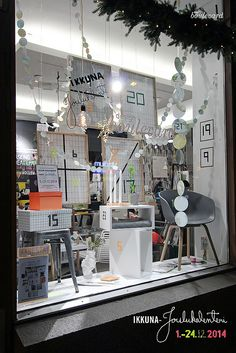 Design Boulevardin jouluikkunassa on tänä vuonna ikkuna - joulukalenteri.  Christmas window Design Boulevard Tampere  osallistu joulukalenteriin: facebook.com/DesignBoulevard