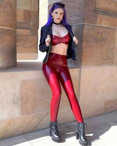"Gefällt 1,460 Mal, 12 Kommentare - LEATHER LEGGINGS (@leggings_fashion) auf Instagram: ""Follow @misslunara ❤ #leggings #liquidleggings #leatherleggings #wetlookleggings #shiny…"""
