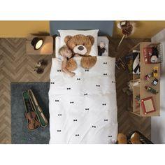 Pościel Snurk Teddy 140x200 wykonana jest w 100% z bawełny perkalowej. Ten drobno tkany materiał zapewnia chłodzenie latem. Duvet Sets, Duvet Cover Sets, Best Pjs, Big Teddy Bear, Bear Print, Hug You, Christmas Stockings, Baby Gifts, Pillow Cases