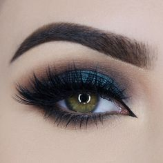 Makeup Geek Duochrome Eyeshadow in Secret Garden. Look by: Paulina Miau