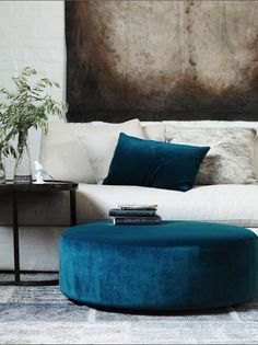 That blue. Love this color combo for my living room-family room My Living Room, Home And Living, Living Room Decor, Living Spaces, Small Living, Living Area, Cozy Living, Home And Deco, Home Fashion