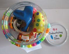 Diamantin´s Hobbywelt: Geburtstag im Glas  Luftballons, Muffins, Tröte, Schoki, Luftachlange, Konfetti usw.