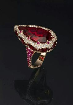 Ruby Diamond Ring.                                                                                                                                                                                 More