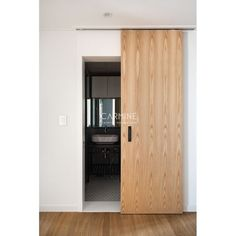this is a gorgeous door. maybe in a slighty darker wood. Flat Interior, Interior Design, Internal Sliding Doors, Room Partition Designs, Sliding Door Design, Barn Door Designs, Interior Color Schemes, Colourful Living Room, Minimal Home