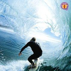 Experimente a magia do surf numa aula com maior segurança e instruções de um profissional. Da de presente pra seu amigo ou para você! // Experiment the magic of surf in a lesson with all the security and professional instruction. Give as a present for your friend or yourself!