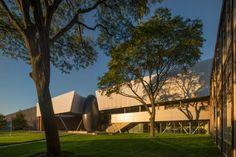 Morphosis Architects / Thom Mayne, Nic Lehoux · Taubman Complex