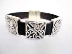 Brown leather Bracelet for men silver plated by mitallerdenubes, €20.00