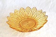 Vintage Amber Federal Glass Petal Pattern Glass Bowl / Depression Glass Bowl / Amber Depression Glass Bowl / Petal Pattern Glass Bowl