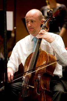 Suites pour violoncelle seul  Bach, Suite n°2 en ré mineur BWV 1008 / Suite n°6 en ré majeur BWV 1012   Un super concert....