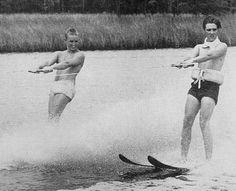 Elvis vacation in july 1956 in Biloxi.