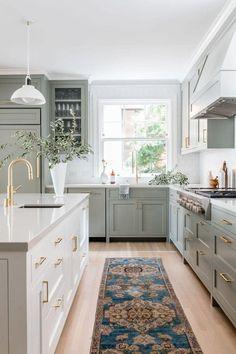 Sage Green Kitchen, Green Kitchen Cabinets, White Kitchen Island, Kitchen Cabinet Colors, Kitchen Tiles, Kitchen Decor, Dark Cabinets, Colored Cabinets, Altea Hills