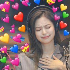 ➳ blackpink imagines - Jennie Kim - Kill This Love - Wattpad Bts Meme Faces, Memes Funny Faces, Funny Kpop Memes, Kim Jennie, Memes Blackpink, Blackpink Funny, Black Pink Kpop, Heart Meme, Cute Love Memes