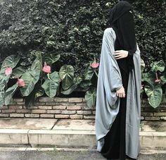 Ibn Al-Qayyim a dit dans madarij As-Salilkin Burqa Fashion, Modern Hijab Fashion, Islamic Fashion, Muslim Fashion, Modest Fashion, Hijab Niqab, Muslim Hijab, Hijabi Girl, Girl Hijab