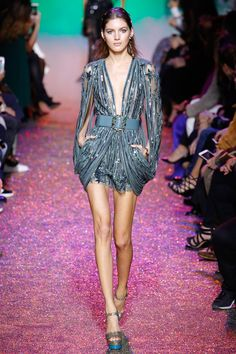 Elie Saab Spring 2017 Ready-to-Wear Fashion Show - Valery Kaufman (Elite)