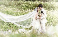 Romantic pre-wedding session