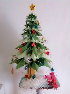 Origami Christmas tree in my office. So cute <3