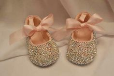 ADORABLE!! looks like my wedding shoes!! I wonder if I could DIY these sparkly baby shoes for birthday outfit