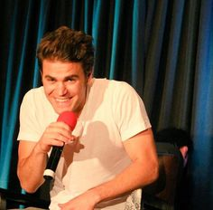 That smile ❤❤❤ Vampire Diaries Songs, Paul Wesley Vampire Diaries, Vampire Diaries Stefan, Vampire Diaries The Originals, Stefen Salvatore, Good Looking Actors, Damon And Stefan, Vampire Diaries Wallpaper, Vampier Diaries