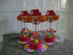 Idea de Centro de Mesa. (Para cumpleaños temático de Payasos.) Clown Party, Circus Carnival Party, Circus Theme Party, Carnival Birthday Parties, Circus Birthday, Diy Birthday, Party Themes, Bday Girl, Baby Shower