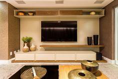 Home Theater: Salas de estar Moderno por Flaviane Pereira