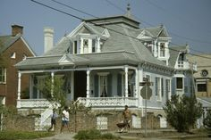 Nicholas Clayton - Sweeney-Royston House, form Southeast (8S-28573)
