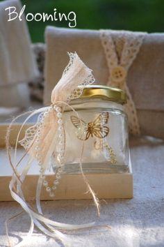πρωτοτυπες μπομπονιερες πεταλουβα βαπτιση Place Cards, Perfume Bottles, Bloom, Gift Wrapping, Place Card Holders, Gifts, Weddings, Gift Wrapping Paper, Presents