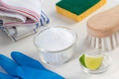 Did you know you probably have something sat in your kitchen cupboards that has awesome cleaning power? Mumsnetters discuss the multitude of exciting things you can do with bicarbonate of soda (aka baking soda) Baking Soda Cleaning, Baking Soda Uses, Kitchen Cleaning, Cleaning Vinegar, Natural Cleaning Recipes, Natural Cleaning Products, Baking Soda Benefits, Natural Cleaners, Green Cleaning