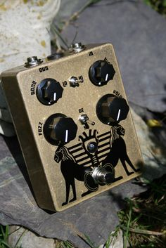 Black Arts Tonework: For musicians who love their guitar and amp's tone. The Pharaoh pedal, while its roots and DNA are classic fuzz, has a few twists. The Pharaoh has a wide range of clipping and tonal options. From a cleanish boost, to a light OD, all the way to complete saturated fuzz. It sounds clear and natural, strong and bold. Your guitar sound isn't highjacked, and your amp's tone is not destroyed.
