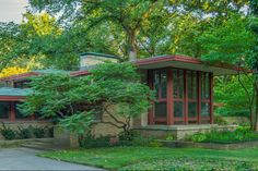 Isabel Roberts House (Frank Lloyd Wright, 1908). Combination of Prairie and Usonian styles, spanning Wright's career from 1908 to 1956. Featured on the 2014 All Wright Housewalk in Oak Park and River Forest, IL