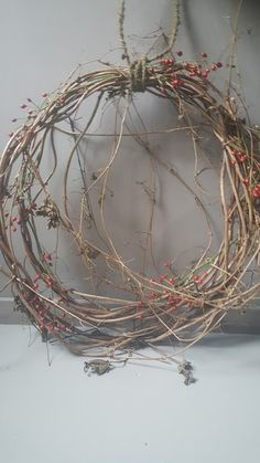 Wooden Christmas Trees, Christmas Mantels, Primitive Christmas, Twig Art, French Christmas, Xmas Wreaths, Nature Decor, How To Make Wreaths, Xmas Decorations