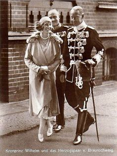 And his sister Princess Victoria Luise of Hannover, née of Prussia with husband Prince Ernst August of Hannover, Duke of Braunschweig & Lüneburg (Kaiser – Adel – Monarchie – Fürst – Prinz – Prince – Royalty – – ). Royal Princess, Princess Victoria, Prince And Princess, Queen Victoria, Princess Diana, Wilhelm Ii, Kaiser Wilhelm, Adele, Royals