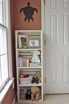 Around the house: Toddler bedroom tour - Book shelf made from crates