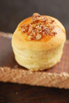 Csicsóka pogácsa füstölt Maldonnal és pekándióval Malm, Scones, Delish, Biscuits, Pudding, Bread, Food, Cookies, Meal