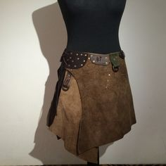 Long Brown Leather Skirt With Runes And 3 O-Rings von Elbengard