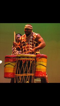 Here's a photo of the incomparable Mangue Sylla rocking it at the 2007 Florida African Dance Festival Concert.  He will be bringing the grove to the 19th Annual FADF June 9 – 11 in Tallahassee. Make sure you're in the house to feel the beat with all of the featured guest artists! Get the details at fadf.org. #FADF2016 #AfricanDance #AfricanDrum #Africa