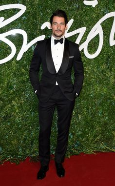 Pin for Later: Die British Fashion Awards halten was sie versprechen David Gandy in Marks & Spencer