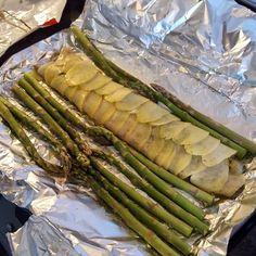My Recipes, Whole Food Recipes, Vegan Vegetarian, Vegetarian Recipes, Instagram Feed, Instagram Posts, Asparagus, Oven, Lemon