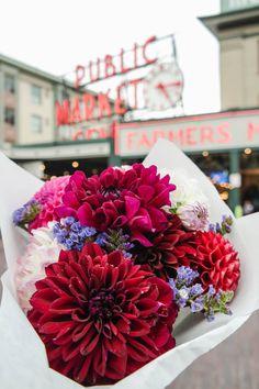 Florals - Seattle - Pike Place Market - Flowers - Bouquet - Wanderlust - travel - Pacific North West - Adventure - Flower Market - Maggie Gritton